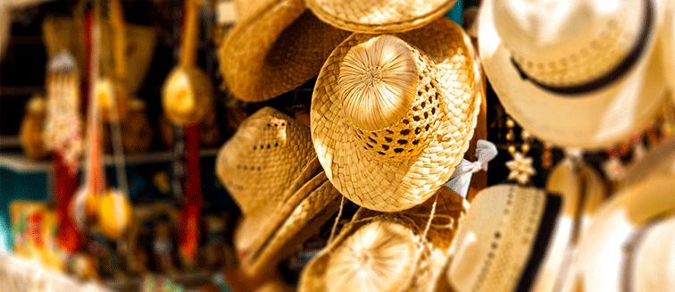 Hüte und Baskenmützen